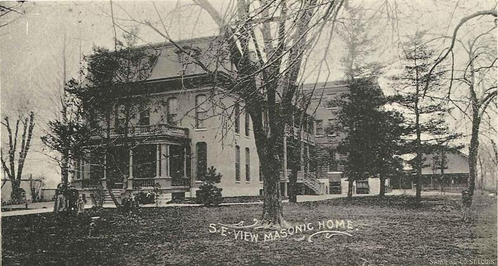 Black and white postcard of original Masonic Home of Missouri in Saint Louis, Missouri.